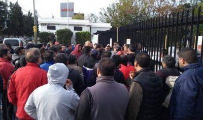 Un trabajador de Alijor murió en la puerta de la empresa al enterarse que había sido despedido
