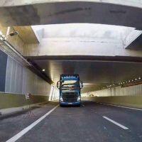 Realizan más pruebas con camiones en el Paseo del Bajo