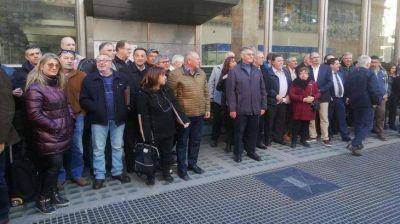 Nefrólogos de todo el país encabezaron fuerte protesta frente al PAMI