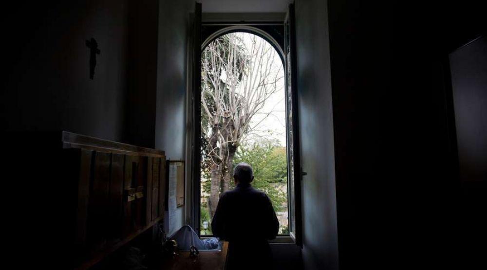 Papa Francisco dimite del estado clerical a sacerdote acusado de abuso sexual