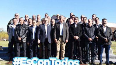 Alberto encabezó una cumbre en Areco en busca de recuperar los votos del interior
