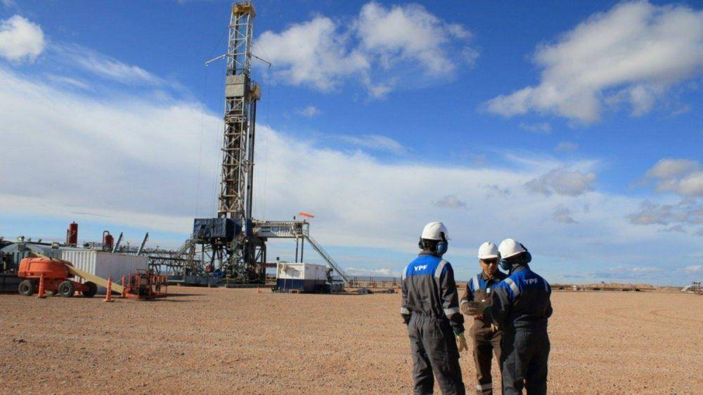 Firme apuesta de YPF a la construcción de una planta terrestre de GNL en Bahía