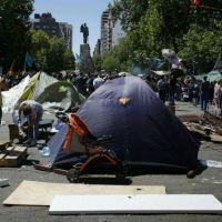 CiudadAcampe frente al Municipio: manifestantes denuncian un