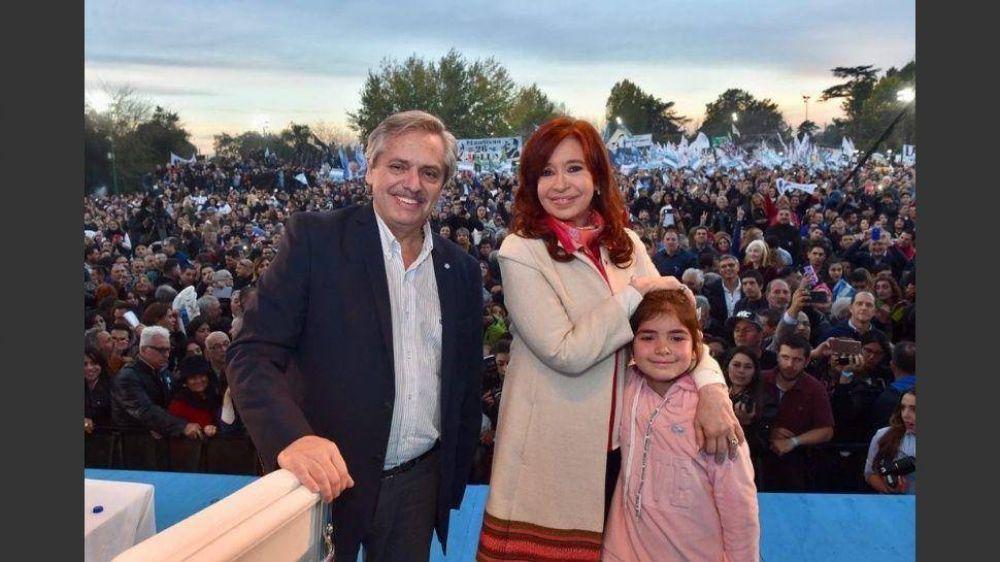 Deuda y pobreza, los ejes de campaña de Alberto y Cristina