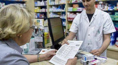 Advierten que muy pocos jubilados pueden comprar medicamentos