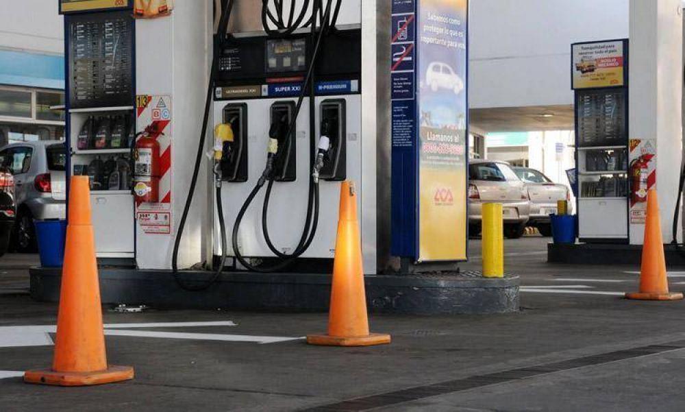 Acuña adelantó que el SOESGyPE monitoreará las Estaciones de Servicio para que no vendan combustible durante el paro