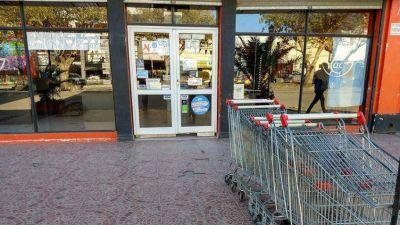 En el último año los supermercados despidieron casi 2500 trabajadores