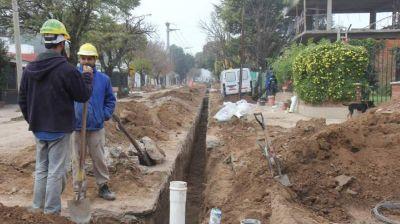 En cien días, se terminarían las obras de cloacas en cuatro barrios