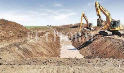 Giran aportes para obras hídricas en Humberto Primo