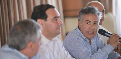 Las elecciones provinciales y la falta de ofertas traban el intento radical de ampliar Cambiemos