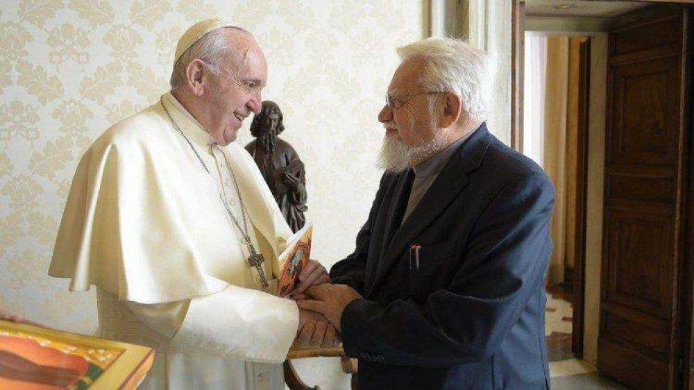 Papa al Fundador de Bose: comprender la liturgia como la fuente de una vida eclesial