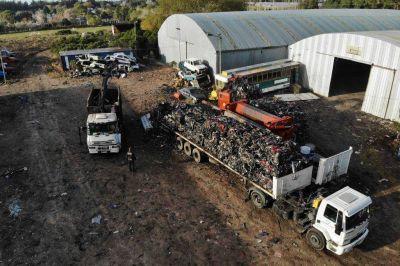 Vehículos secuestrados: finalizó la etapa inicial de compactación