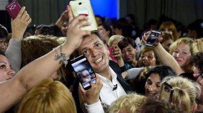 Sin mostrar sus cartas, Massa acelera la alianza con Cristina