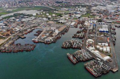 Los frentes abiertos en la pesca y el puerto