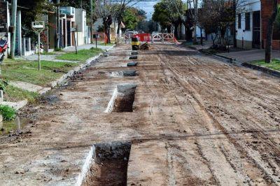 Con inversión municipal avanzan obras en la red cloacal