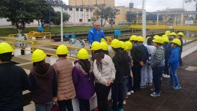 Estudiantes visitaron la planta de Sameep