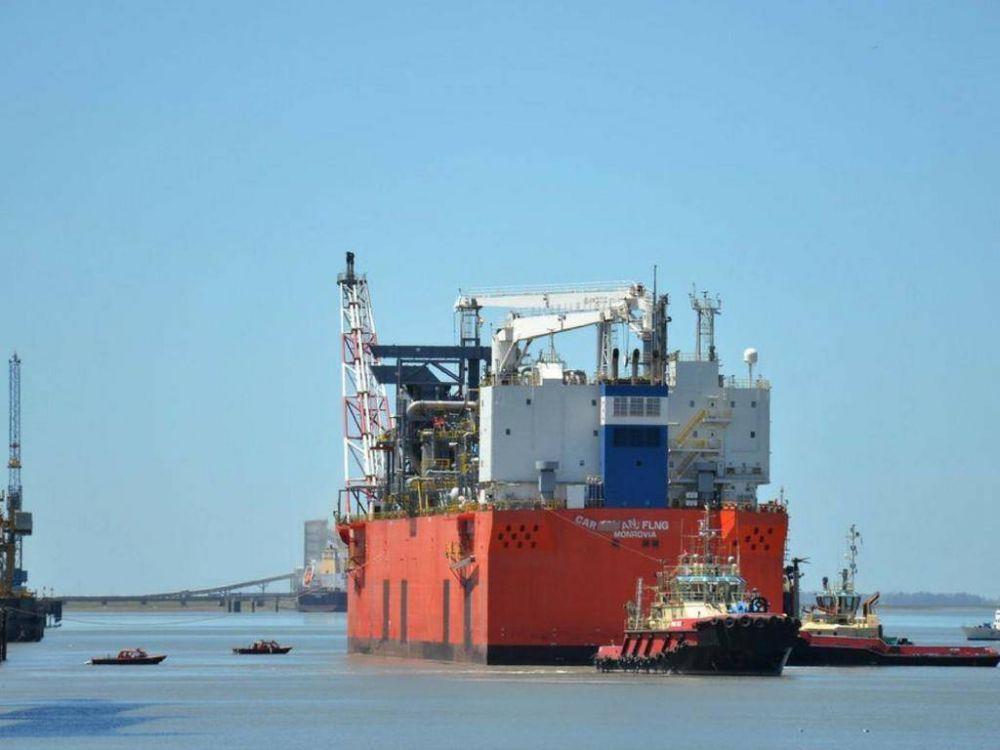 YPF, a punto de concretar la primera exportación de GNL