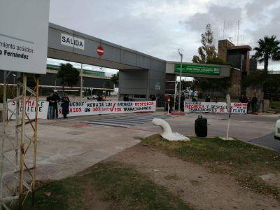 Trabajadores de Buquebus Uruguay denunciaron que la empresa impulsó 120 despidos , baja de salarios y represión