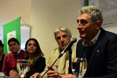 Villa Gesell: Barrera firma contrato para construir un nuevo hospital