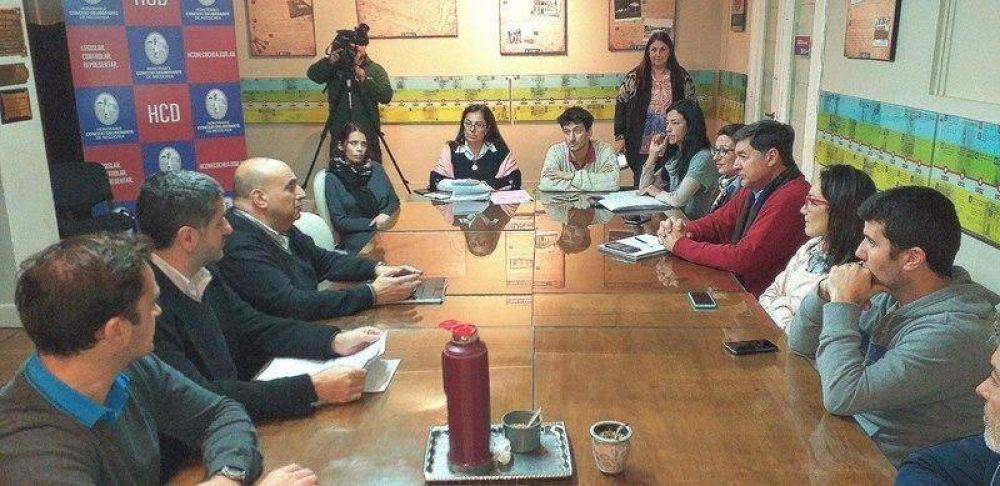 Basural en el campo: El Ejecutivo explicó que la empresa recolectora está sancionada