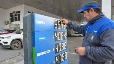 Advierten sobre el círculo vicioso de los aumentos de los combustibles