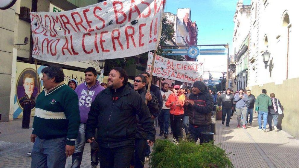 Salarios impagos e incertidumbre en los 450 trabajadores del Ingenio Santa Bárbara de Tucumán