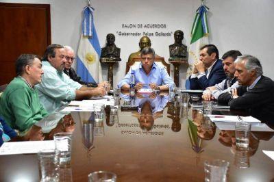El gobernador trabaja junto a cooperativas eléctricas para optimizar el servicio en zonas rurales