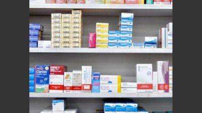 En mayo, la compra de medicamentos se derrumbó 12% y se dispararon los precios