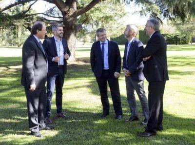 Reaparece Monzó para ofrecer a Sanz como vice de Macri e incomodar a Marcos Peña y a Carrió