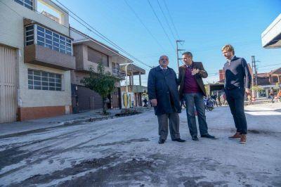 Satisfacción de Arroyo por la obra de asfalto nuevo en Vértiz