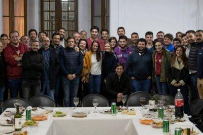 """Vientos de cambio en el radicalismo platense: Varios espacios no responden al """"acuerdo chico"""" local, y se alinearon con Salvador"""