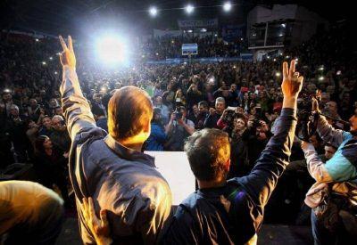 Kicillof hizo pie en Bahía Blanca para apuntalar la candidatura de Susbielles