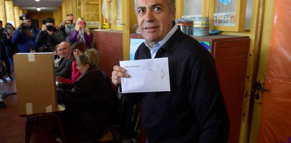 Ahora la UCR redoblará la presión a Mauricio Macri: hablan de nominar al vice o ir a las PASO