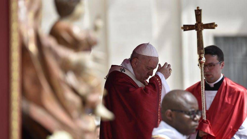 Papa, Pentecostés: para tener paz necesitamos al Espíritu, no pastillas o soluciones rápidas