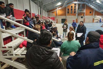 Barrio 10 de Noviembre: El Municipio se reunió con el IPV y vecinos del sector para garantizar servicios domiciliarios