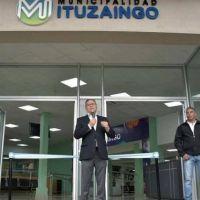 Descalzo reinauguró el edificio municipal de Ratti 10, que se modernizó para optimizar la atención