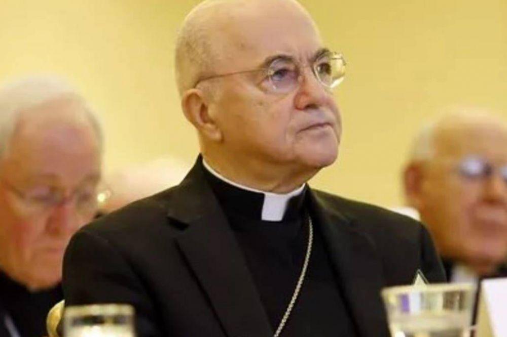 Un polémico exnuncio reiteró su acusación contra el Papa por supuesto encubrimiento