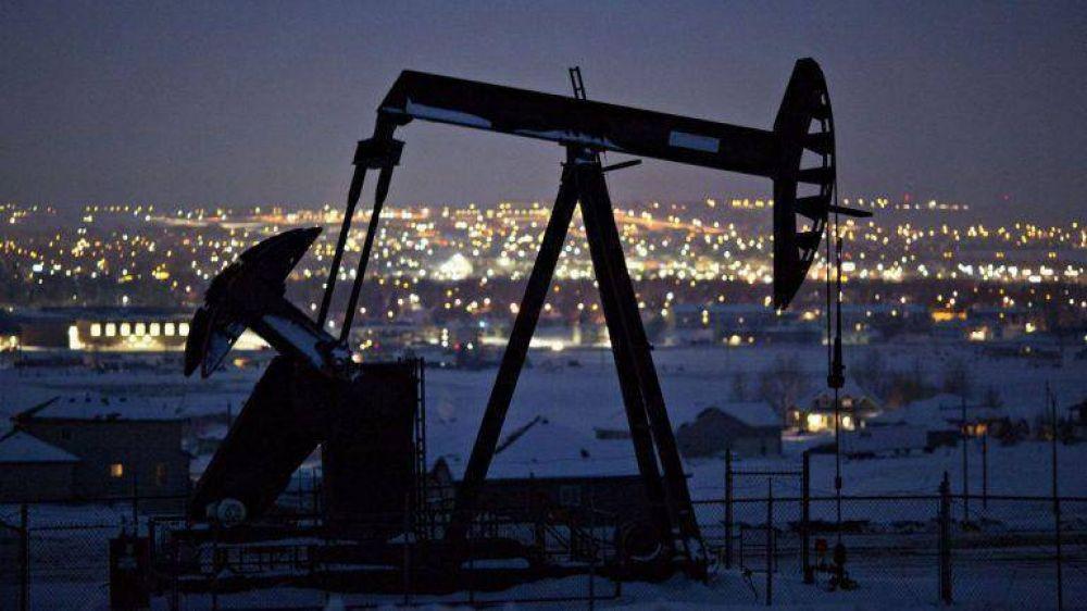 Nueva caída del precio del barril tras el anuncio de la API