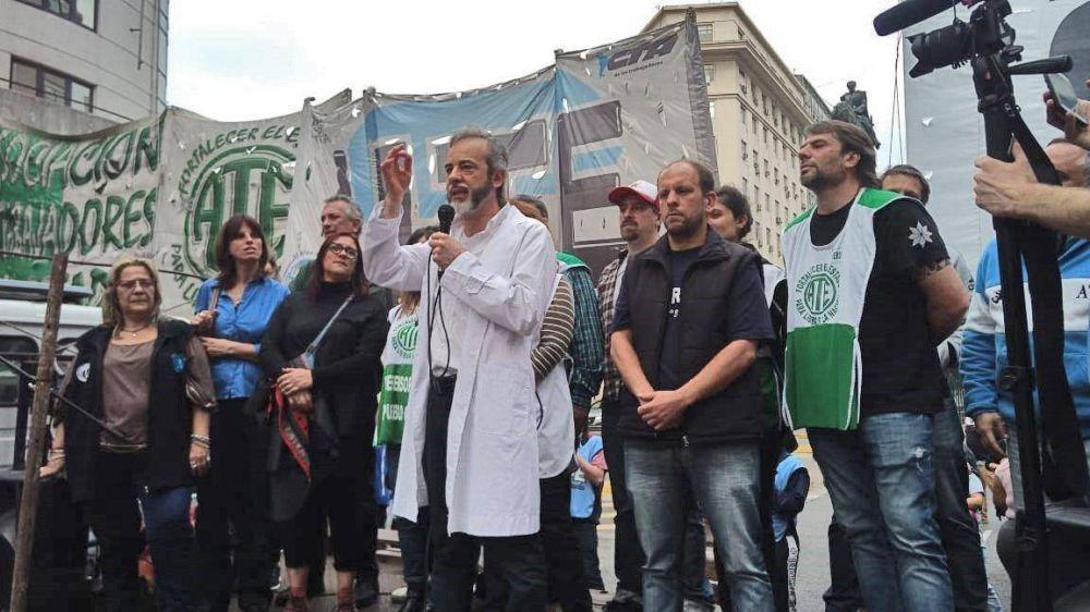 Gremios porteños de distintas centrales sindicales se unen y marchan contra el ajuste de Larreta