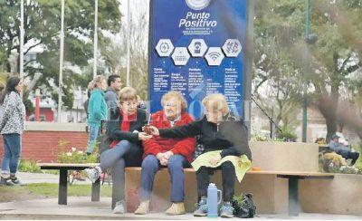 Los vecinos de Pilar ya disfrutan de energías limpias