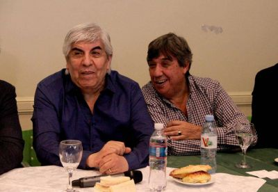 Municipales organizan el primer encuentro internacional, con fuertes presencias gremiales y políticas