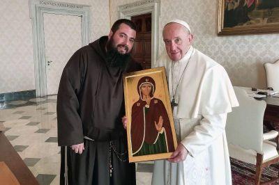 12 consejos para no hablar mal de los demás, el regalo del Papa a sus colaboradores