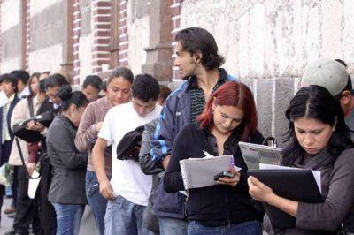 El desempleo volvió a los dos dígitos por primera vez en 13 años