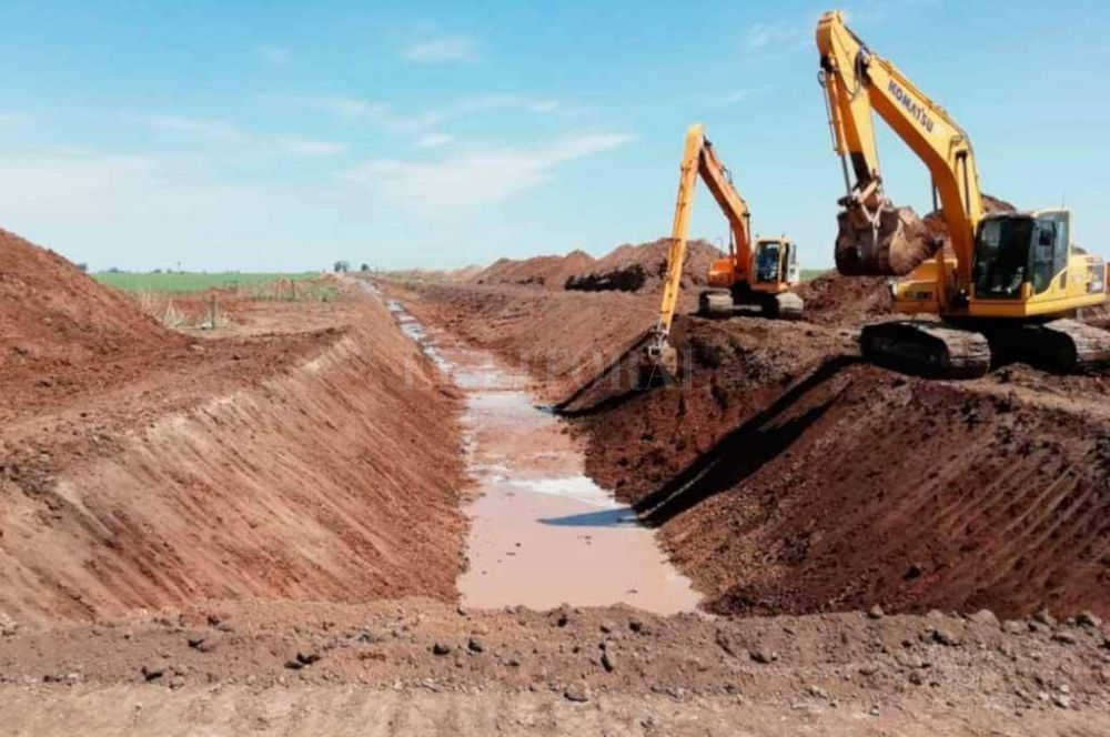 Invierten 28 millones de pesos en la Cuenca Canal Principal San Eugenio