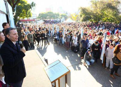 Fernando Gray encabezó el acto del Día de la Bandera en Esteban Echeverría