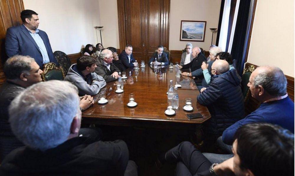 Pichetto se reunió con Municipales del Peronismo amarillo de la mano de un hombre de Ferraresi