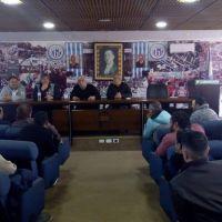 Moyano recargado: empujó a sus candidatos en ATILRA y les pidió