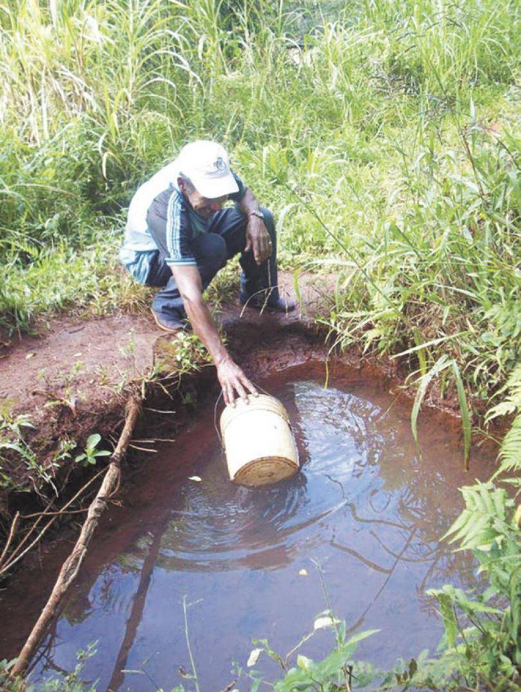 Escasez de agua potable afecta a barrios obereños