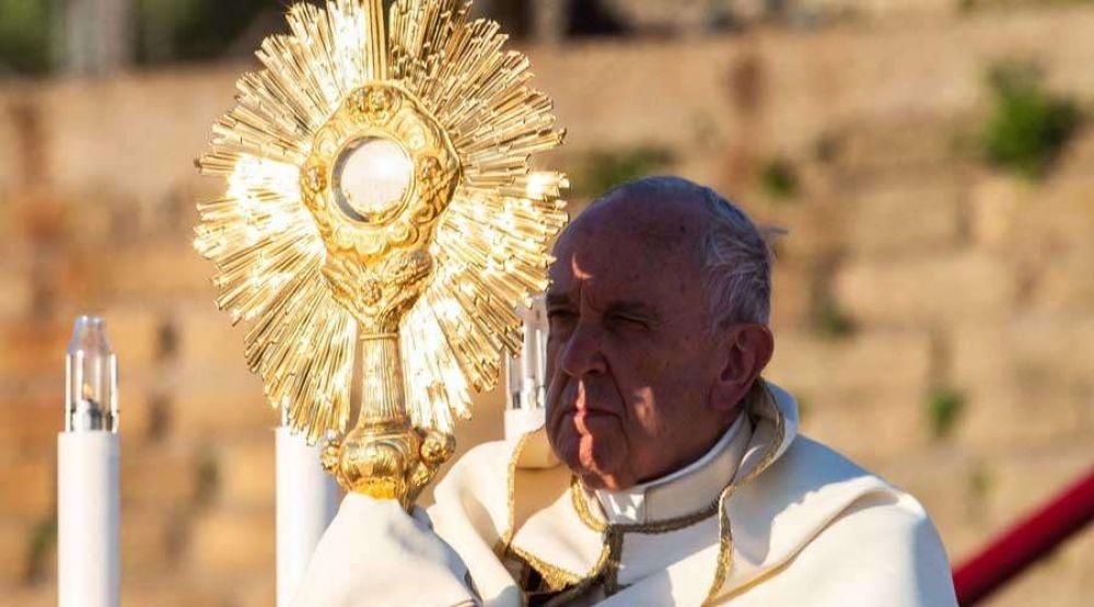 Papa Francisco en Corpus Christi: La Eucaristía desata en nosotros la fuerza del amor