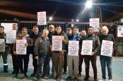 Los cesanteados de la fábrica de pinturas Alba reclaman reincorporaciones